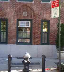 NYC fire hydrant and parking permitted sign