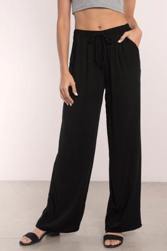 LOUNGE AROUND BLACK PANTS from www.tobi.com