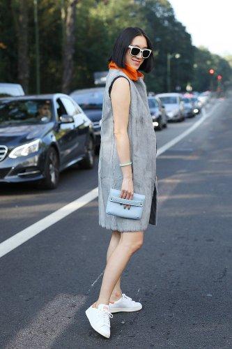Eva-Chen-styled-her-fur-vest-like-pro-dress-comfortable