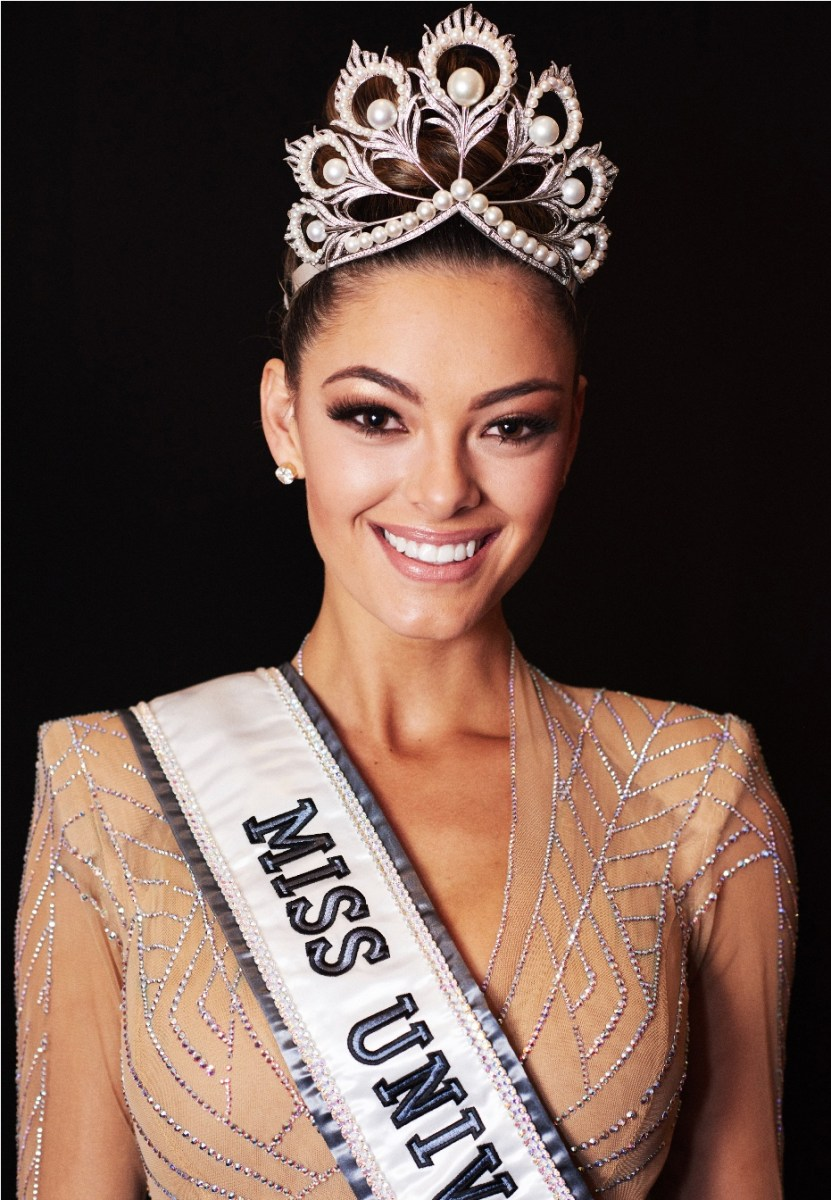 Demi-Leigh Nel-Peters, Miss South Africa 2017 is crowned Miss Universe