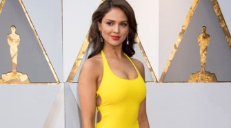 Eiza Gonzalez arrives on the red carpet of The 90th Oscars® at the Dolby