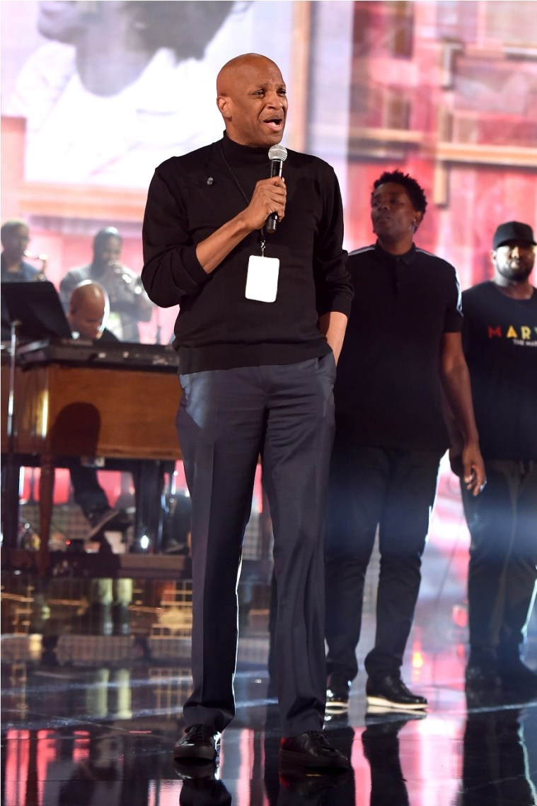 Donnie McClurkin performs onstage during the 2018 American Music Awards