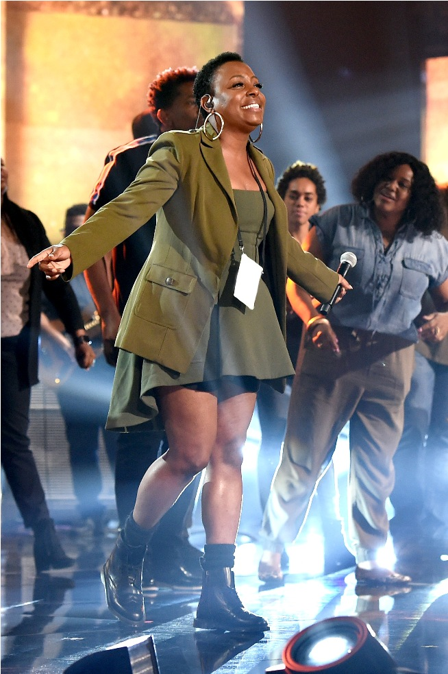 Ledisi performs onstage during the 2018 American Music Awards