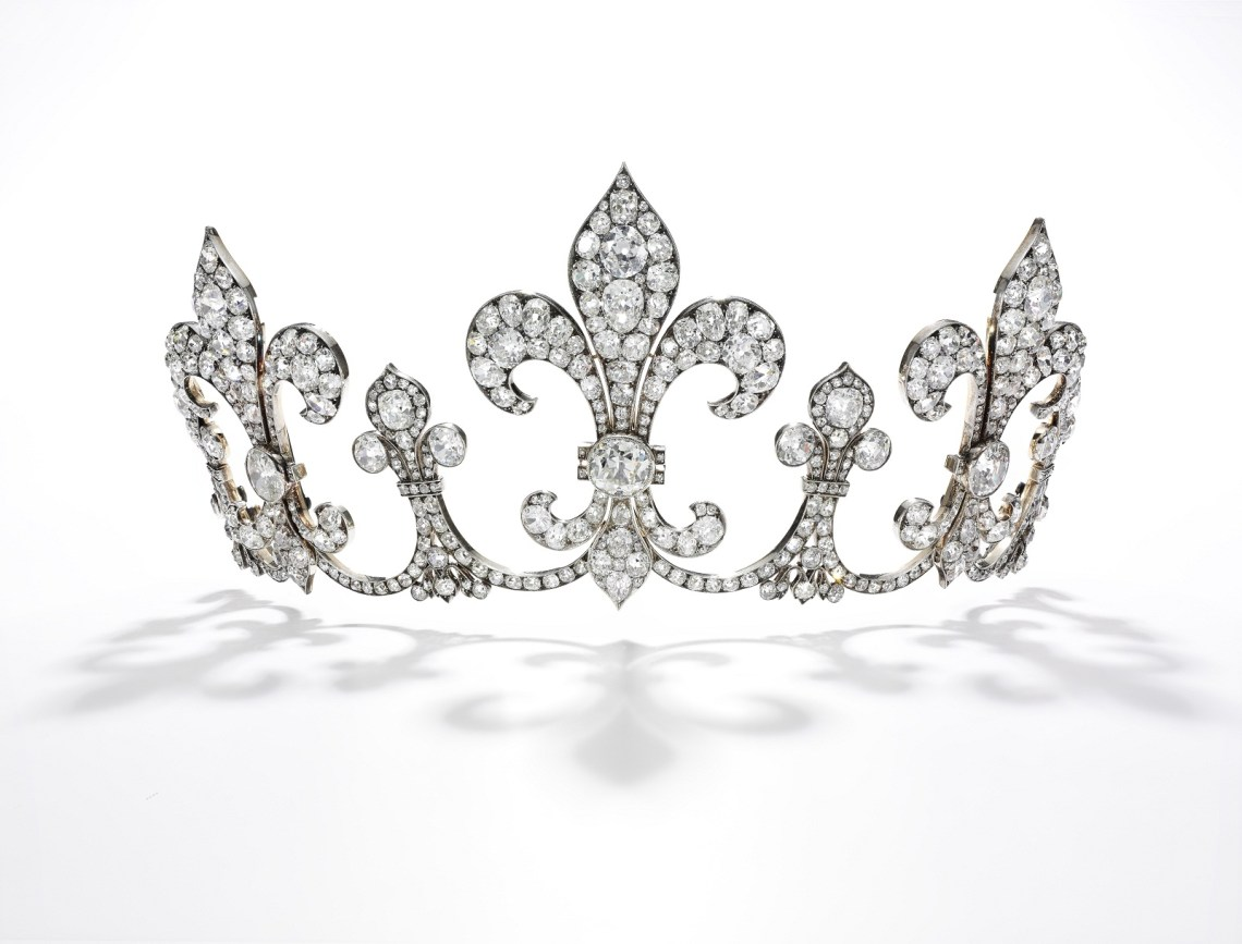 Diamond tiara, Hübner, circa 1912 - Royal Jewels from the Bourbon Parma Family - Sotheby's Geneva 14 Nov 2018