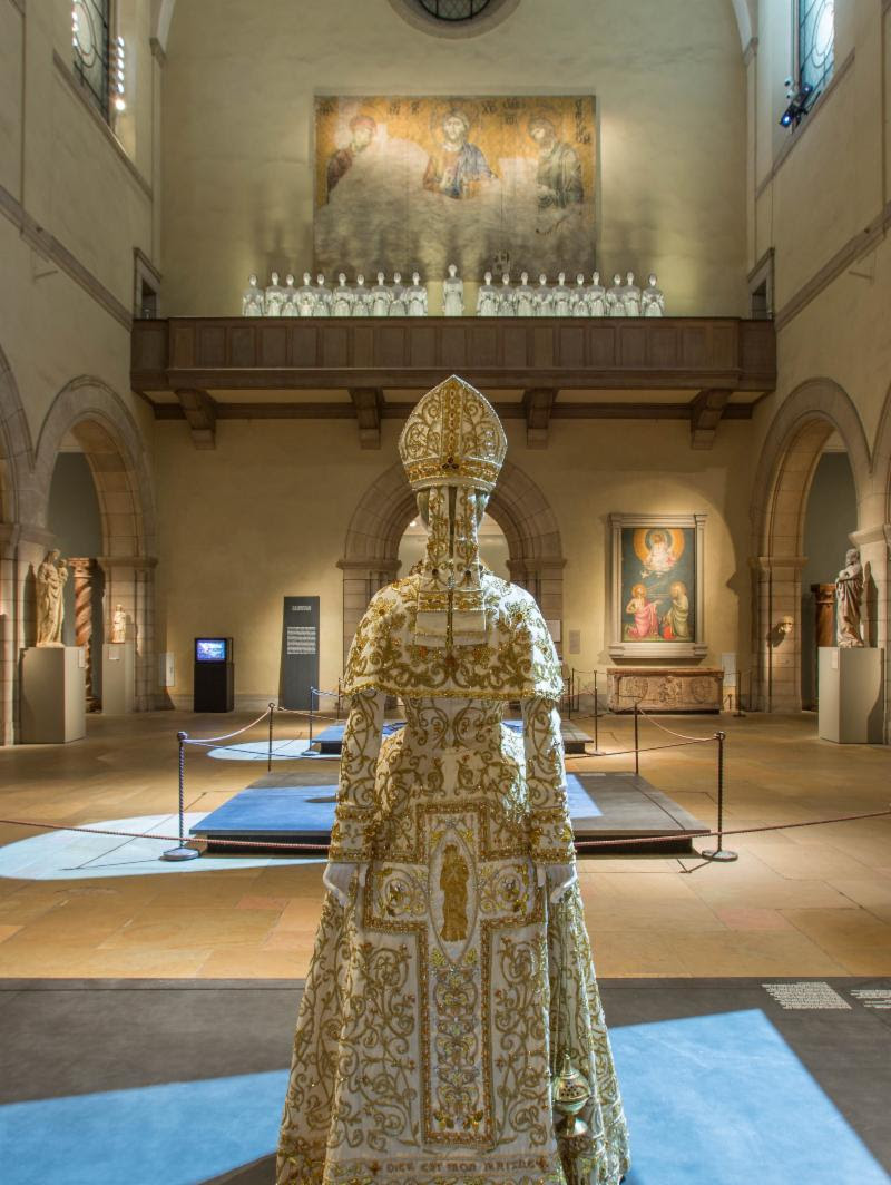 """Costume Institute's """"Heavenly Bodies"""" Show is the Most Visited Exhibition in The Met's History"""
