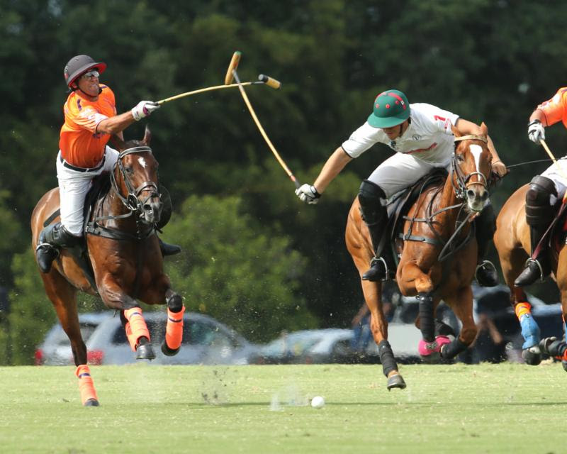 Las Monjitas defeated Daily Racing Form 9-8 in OT. ©Alex Pacheco