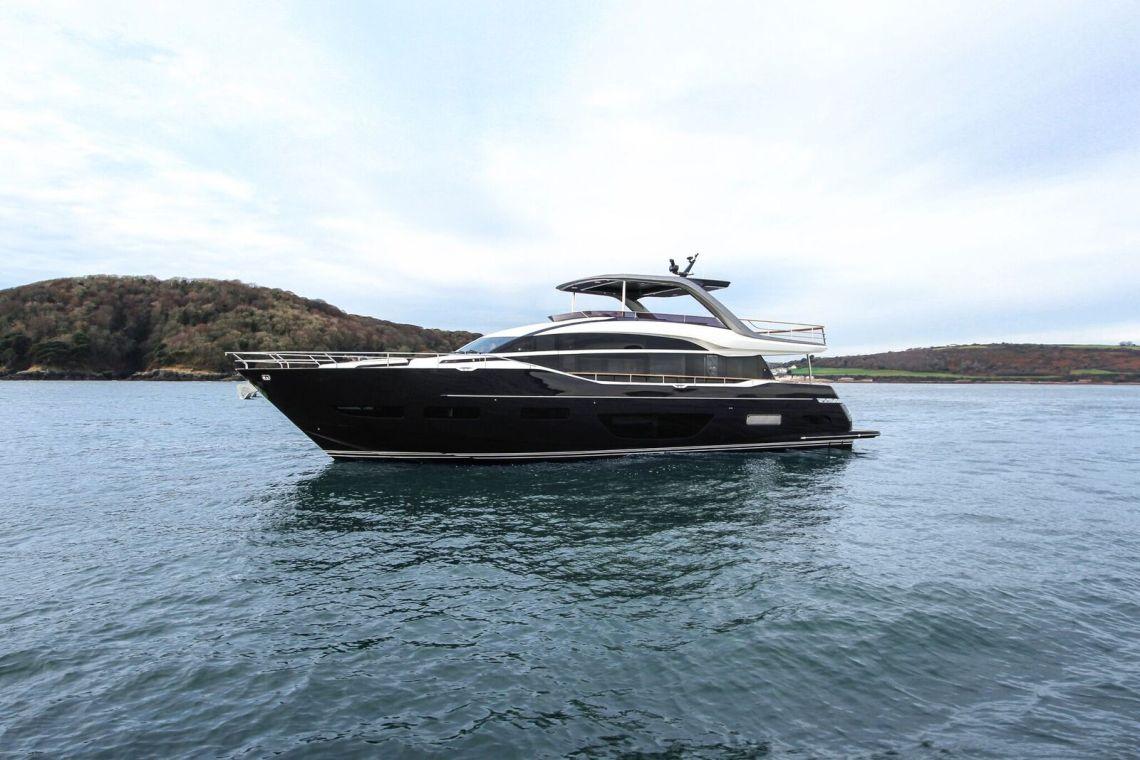 Princess Yachts Y85