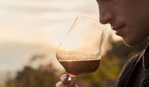 5 of the Top Spring Wine Varietals You Need