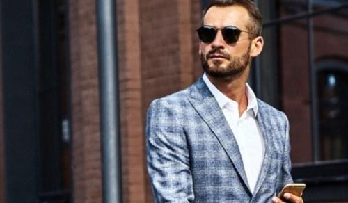Do the Clothes Really Make the Man?