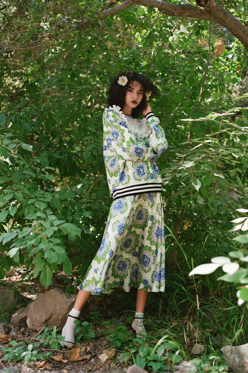 BLUE AND GREEN FLORAL PRINTED SWEATSHIRT WITH LACE AND RUFFLE DETAILS - LOOK 20