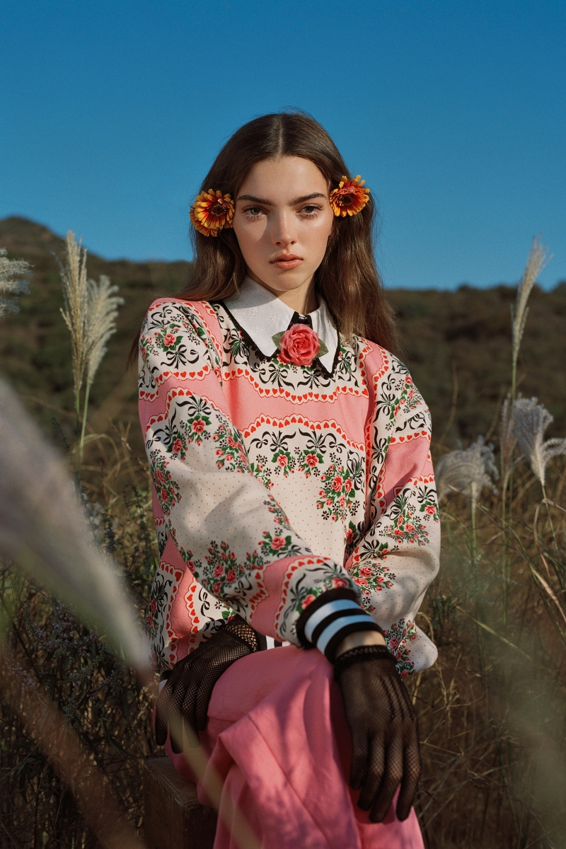 PINK FLORAL BOUQUET PRINTED SWEATSHIRT WITH WHITE EYELET COLLAR AND SILK ROSE - LOOK 6