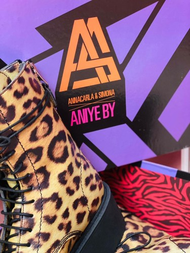 """""""BOOTS & PUMPS CAPSULE"""" FW 21-22. The mix & match of ANIYE BY and its BOMB PACKAGING: detail 2"""