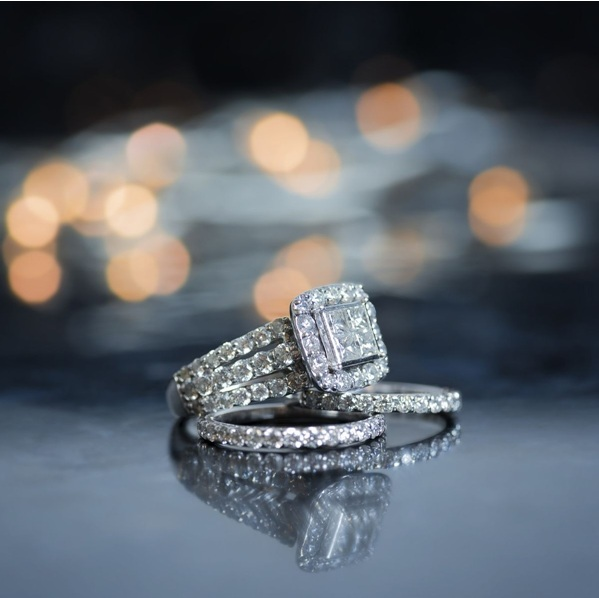 Tips for Matching a Wedding Band To an Engagement Ring