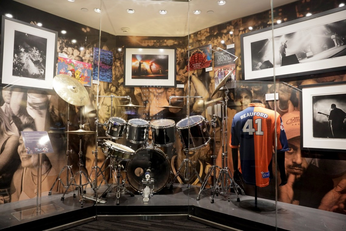 Carter Beauford's 1990s-played drum kit