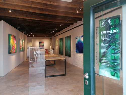 Discover Sant'Eufemia Gallery and the Emerald Exhibition 15