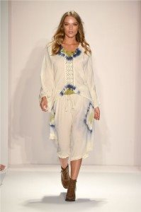 Beach Freedom Glides Gorgeously Down the Runway at SWIMMIAMI 43
