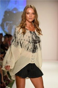 Beach Freedom Glides Gorgeously Down the Runway at SWIMMIAMI 21