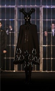 Hakan Akkaya Fall-Winter 16 / 17 Fashion Show In Istanbul 9