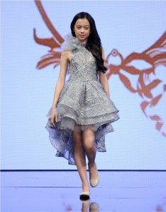 Runway of Isabella Couture at Art Hearts Fashion LAFW Fall/Winter 2017 19