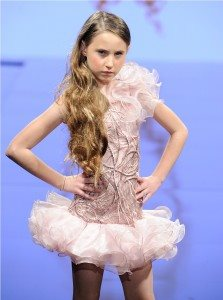 Runway of Isabella Couture at Art Hearts Fashion LAFW Fall/Winter 2017 27