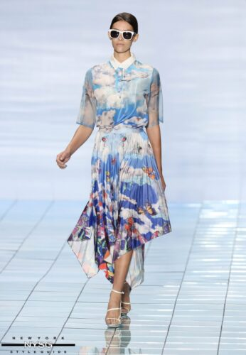 LIE SANGBONG Spring-Summer 2015 Collection Show 9