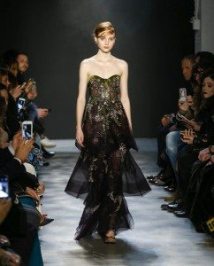 Marchesa Fall 2017 Collection at New York Fashion Week 3