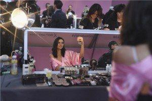 Victoria's Secret HAIR & MAKEUP 17