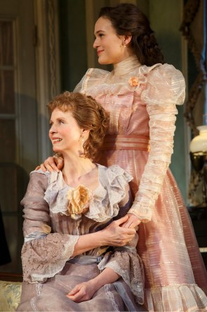 Cynthia Nixon as Birdie, Francesca Carpanini as her niece Alexandra