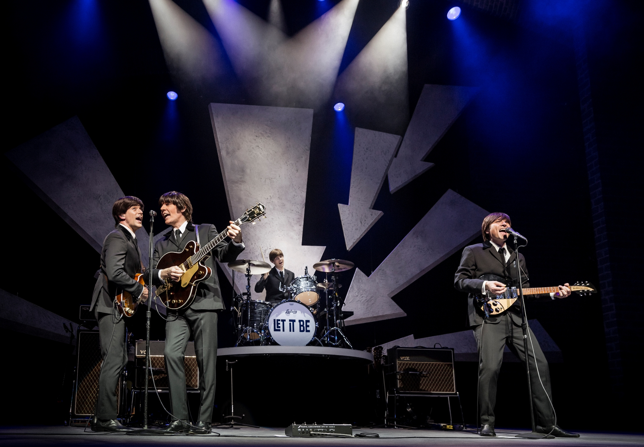 LET IT BE - THE BEATLES Trailers, Photos and Wallpapers