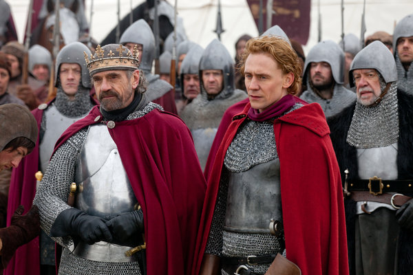 JeremyIronsandTomHiddlestonTheHollowCrown