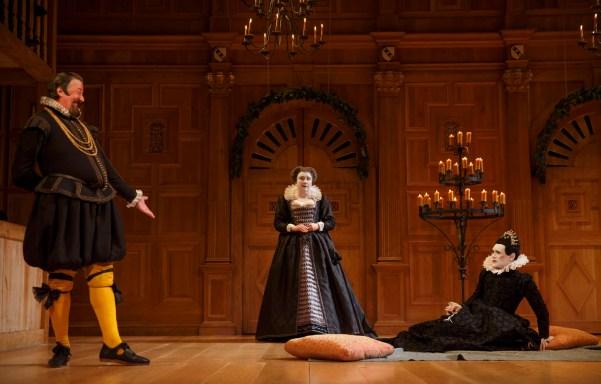 Stephen Fry as Malvolio, Paul Chahidi as Maria, Mark Rylance as Olivia