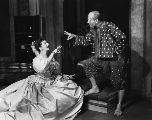 Gertrude Lawrence and Yul Brynner in the original Broadway production of The King and I
