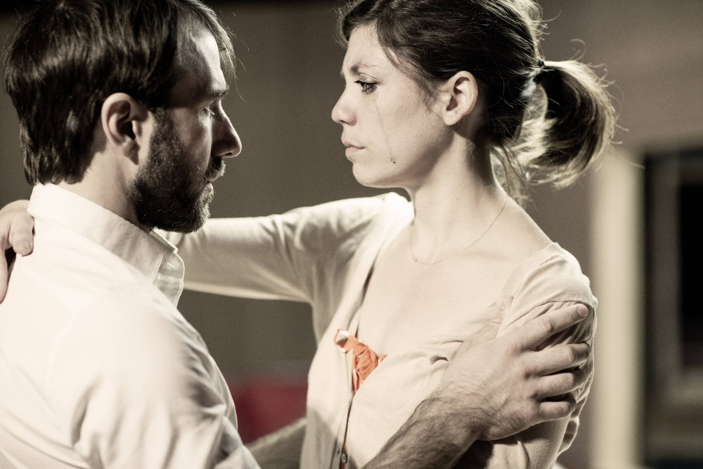 Alex Hurt (Johan 1) and Marianne 1 (Susannah Flood)