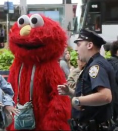 Times_Square_Elmo_