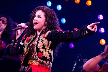 15-0659_Ana Villafañe as Gloria Estefan in ON YOUR FEET! (c) Matthew Murphy