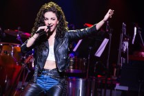 2-0921_Ana Villafañe as Gloria Estefan on ON YOUR FEET! (c) Matthew Murphy