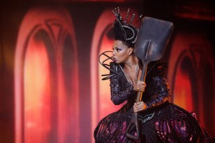 THE WIZ LIVE! -- Pictured: Mary J. Blige as Evillene -- (Photo by: Virginia Sherwood/NBC)