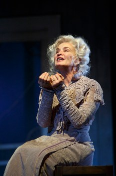 Jessica Lange in Long Day's Journey Into Night