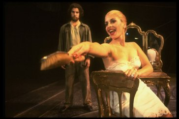 """Mandy Patinkin as Che Guevera and Patti LuPone as Eva Peron in a scene from the Broadway production of the musical """"Evita"""". 1979"""