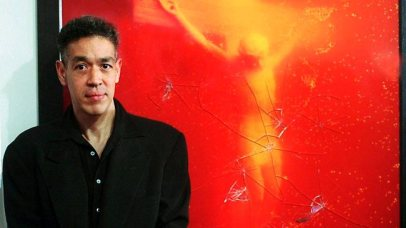 """Andres Serrano in front of """"Piss Christ"""""""
