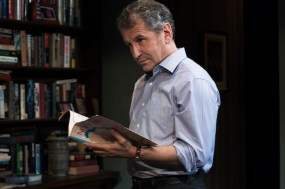 David Cromer in The Waverly Gallery by Kenneth Lonergan, directed by Lila Neugebauer.