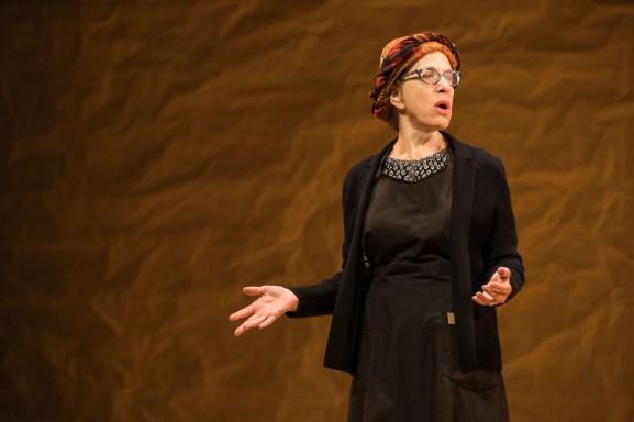 Jackie Hoffman as Yente
