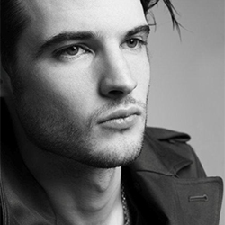 TomSturridge in SeaWall
