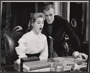 Edward Mulhare as Professor Higgins and Pamela Charles as Eliza Doolittle in the replacement cast of the original BRoaday production.