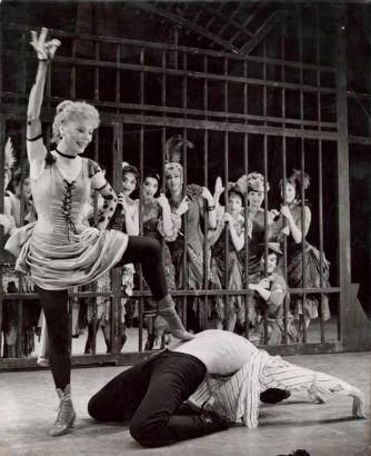 Gwen Verdon as Essie Whimples in Redhead, 1959, which Bob Fosse directed and choreographed