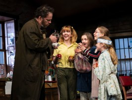 "Shuler Hensley (Tom Kettle), Julia Nightingale (Shena Carney), Willow McCarthy (Mercy Carney), Brooklyn Shuck (Nunu ""Nuala"" Carney), and Matilda Lawler (Honor Carney)"