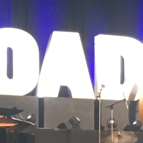BroadwayCon logo