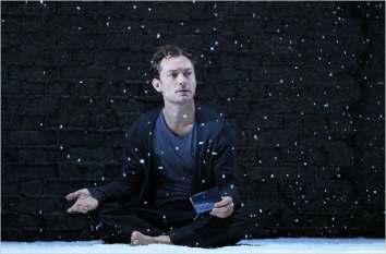 Jude Law as Hamlet, 2009