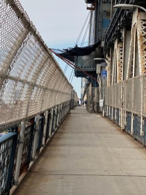 Manhattan Bridge pedestrian pathway