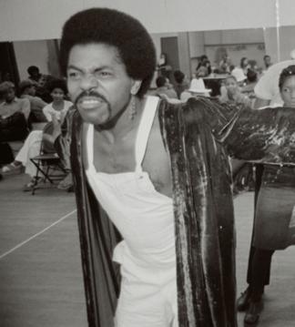De Shields rehearsing for The Wiz in 1974